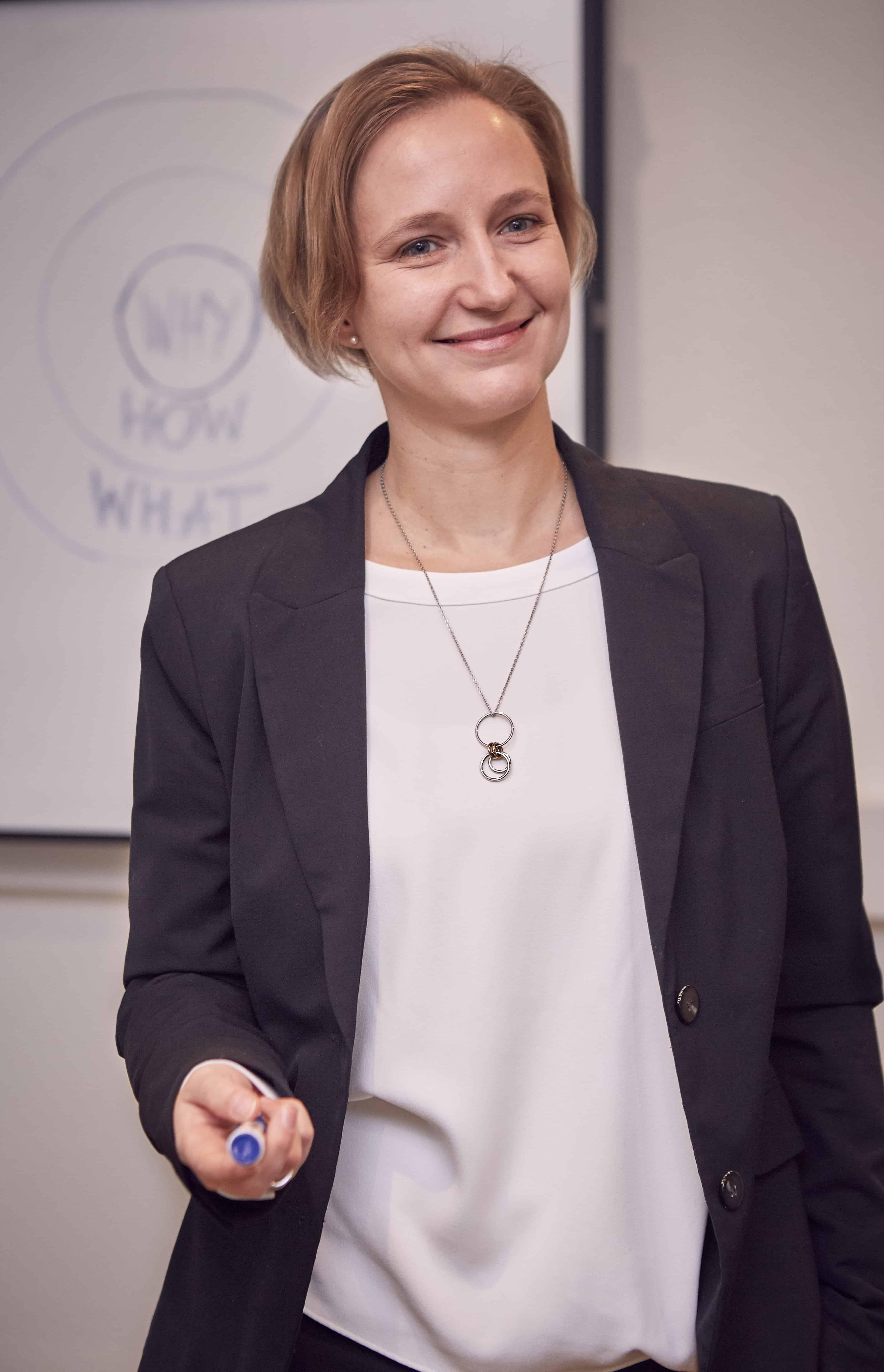 HR eMotion Jenny Papenbrock-Veliz